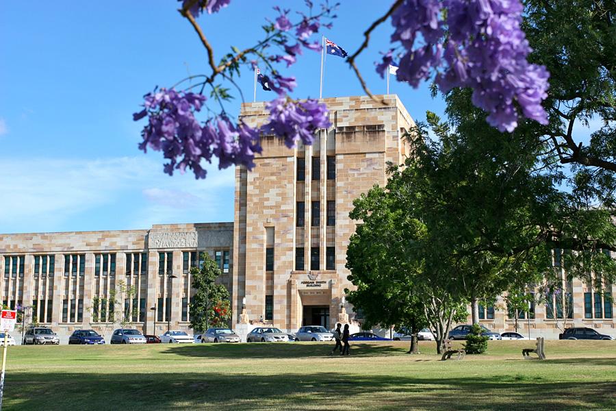 2015-2016 Undergraduate Scholarships to Study in Australia