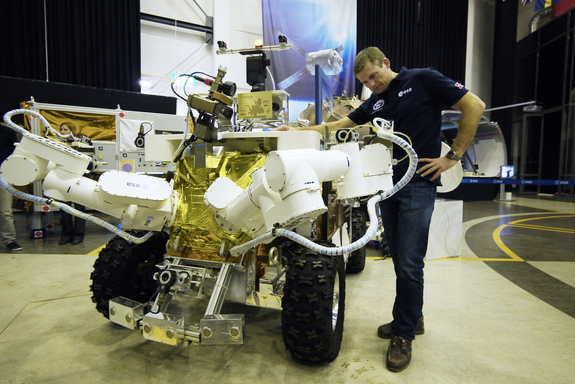 Andreas Mogensen and the Eurobot