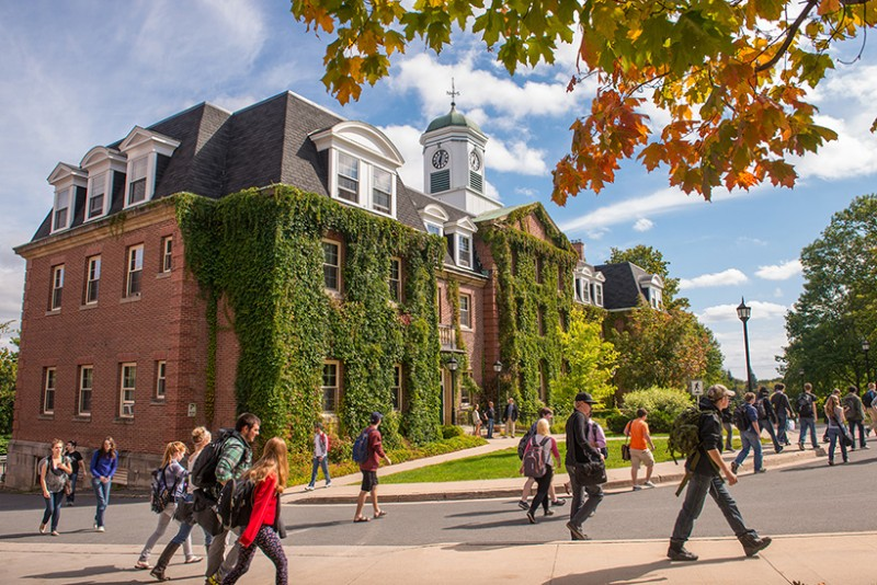 Study in Canada: 2018 Fully Funded Scholarships at University of New Brunswick, Canada