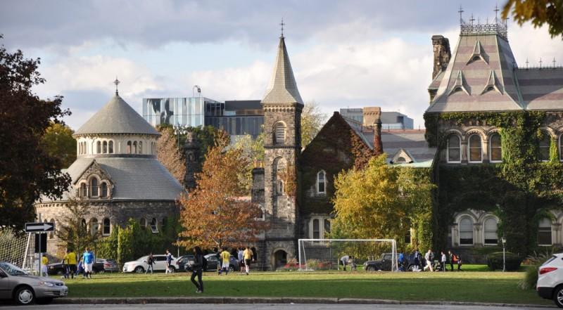 Study in Canada: 2018 Lester B. Pearson Scholarship Program for International Students at University of Toronto