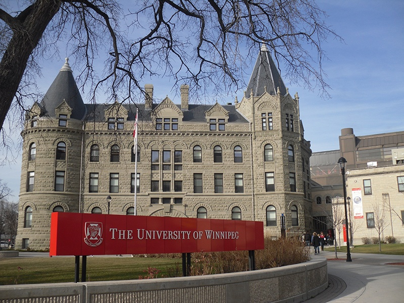 university of winnipeg application fee