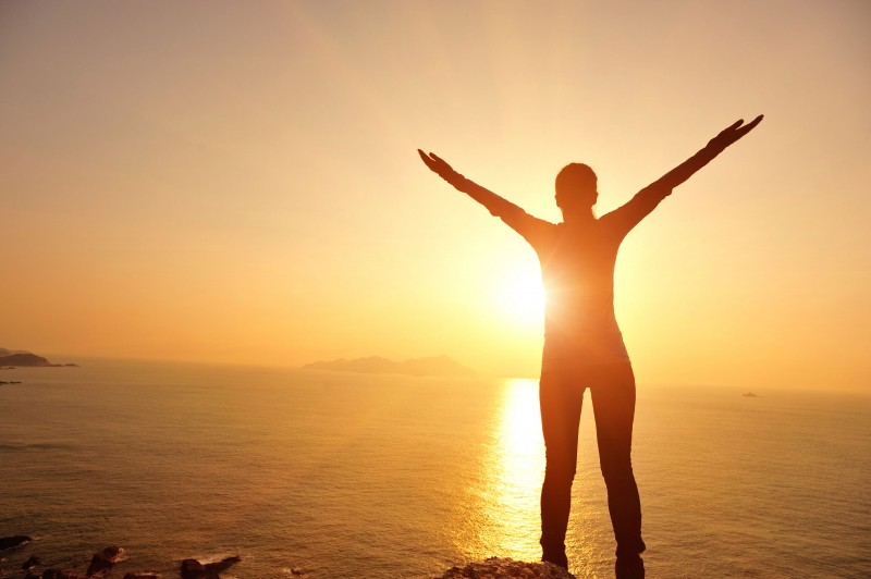 How to Become More Optimistic | 10 Tips for Developing a Positive Attitude